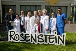 Dr. Klein - Teamfoto mit allen Akteuren, Produzent, Redakteur und Regisseur @Frank Stiller