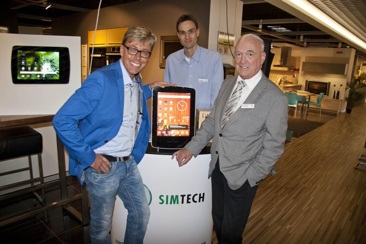Hansy Vogt mit dem Küchen PC PICO